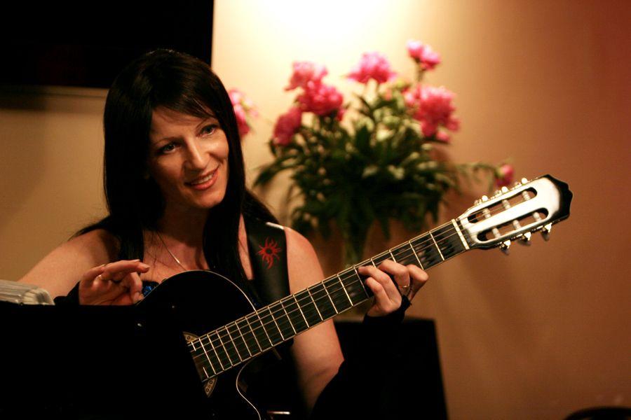 Певица Фаина Николас (Faina Nikolas).